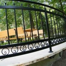 Balustrada-w-stylu-klasycznym-malowana-proszkowo-3-1024x768