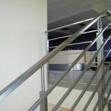 Balustrada-z-profili-prostokątnych-2
