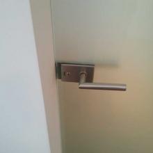 Drzwi-szklane-z-klamką-Tupai-1