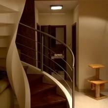 Balustrada-przy-schodach-spiralnych-1-575x1024