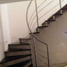 schody-na-tulejach-gięty-pochwyt