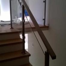 Balustrada-ze-szkłem-bezpiecznym-44-576x1024